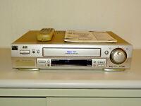 JVC HR-S7600 High-End S-VHS Videorecorder inkl. FB&BDA, 2 Jahre Garantie