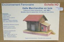 Colinter Productions : Halle Marchandises Bois toit tuile + quai - maquette HO