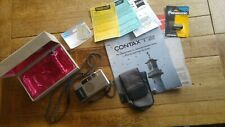 Contax T2 35 mm f/2.8 Film Camera-Silver Carl Zeiss near Comme neuf avec étui Lentille 28 mm