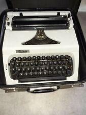 Machine à écrire.Erika mod.115