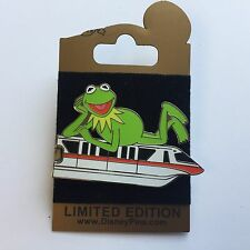 WDW - Gold Card Collection - Red Monorail Kermit the Frog Disney Pin 66806