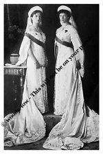 "mm796 -Granduchesses Olga & Tatiana Romanov  in court dress  -Royalty photo 6x4"""
