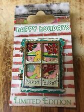 Tinkerbell LE 2000 Holiday Hinged Glitter Disney Pin  On Original Card