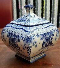 VINTAGE HANDPAINTED PORCELAIN DELFT BLUE WHITE GINGER JAR POT WITH LID