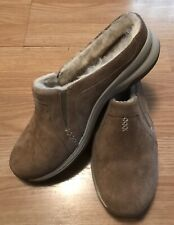 Clarks Jackaroo Tan Fur Lined Slip On Warm Comfy Shoes Size 9.5M NEW