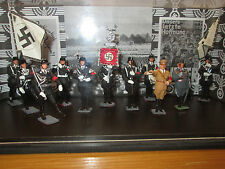 8FP A REAL NICE CASED DIORAMA OF LEAD CJB FIGURES WITH SS MARCHING BAND