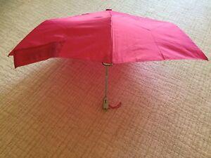 NWT - Totes Signature Auto-open/close Sunguard NeverWet Umbrella Pink