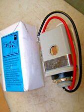 2) NEW PRECISION T-168 3 WIRE RAINTIGHT PHOTO CONTROL 208/277 VAC LOT OF 2