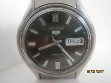 Vintage 70's SEIKO 5 Stainless Steel Gent's Automatic Watch.