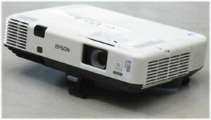 Epson EB-1945W LCD Beamer HDMI 3000 2000:1 Lampe unter 2500 St. ohne FB B-Ware