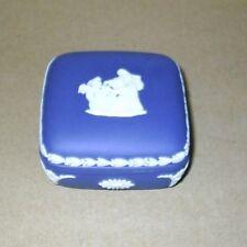 Wedgwood Jasperware Portland Blu Cupids Maschera scatola quadrata