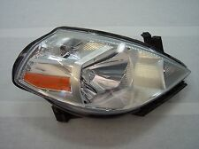 2010 nissan versa right headlight