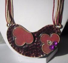 collier bijou rétro années 70 cordelettes pendentif émail mauve vieux rose 3467