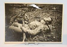 Foto - Gefreiter - Funker - Schlafend - Gewehr - Soldat - Uniform - 2. Weltkrieg