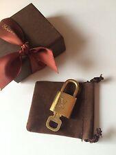 LOUIS VUITTON 313 LOCK  KEY PADLOCK POLISHED! W/ Box, Key Pouch & LV Ribbon