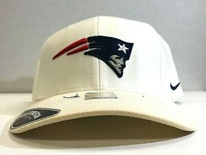 Vintage Nike New England Patriots Universal Stretch Fitted Cap
