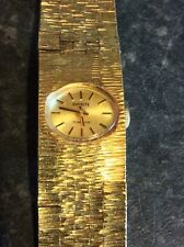 Ladies Vintage Everite Hand Wind Watch with Gold Tone Bracelet Style Strap.