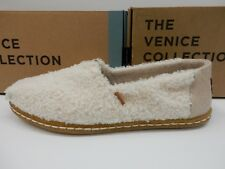 TOMS WOMENS CLASSIC NATURAL PLUSH FAUX SHEARLING ON CREPE SIZE 8.5