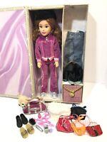 2005 Mattel Teen Trends Deondra Doll with Accessories