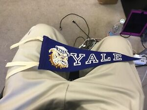 Vintage 1960's Yale University Vintage Bulldog  Blue Felt Pennant No Reserve