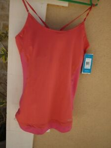 TEE SHIRT TOP DEBARDEUR  MAILLOT 100% NEUF REEBOK FITTED PLAY DRY ROSE T 44 46