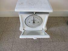 BALANCE DE CUISINE ANCIENNE EN FONTE.  20 kgs.