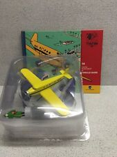 En Avion Tintin l'avion de bazaroff de l'oreille cassée N14 livret coque plast