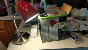 GLOBE 5269302 Classic red Desk Lamp With Flexible Goose Arm NEW
