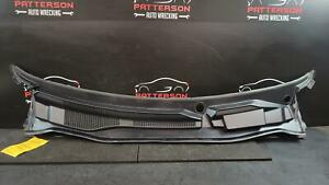 2012 DODGE CARAVAN COWL VENT WINDSHIELD WIPTER SCREEN PANEL COVER ASSEMBLY
