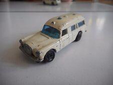 Matchbox Superfast Mercedes Binz Ambulance in White