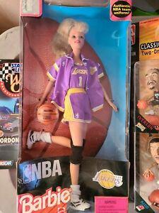 1998 Mattel Barbie NBA Los Angeles Lakers NIB.