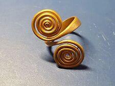 Âge de bronze or double spirale anneau 2nd millénaire avant j. - c.