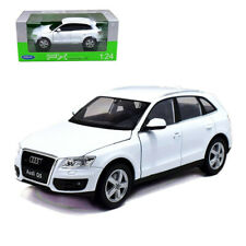 Welly 1:24 Audi Q5 SUV Metal Diecast Model Car White