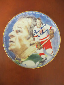 "GORDIE HOWE AUTOGRAPHED GARTLAN COLLECTORS CLUB 8"" PLATE DETROIT RED WINGS HOF"