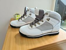 Mens size 9 - White Timberland boots