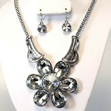 """Chunky Flower Necklace Set 3"""" Inch Drop"""