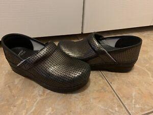 Women's Dansko Professional nurse Shoes Gold/ Black Color Shoes Size 39