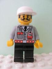 LEGO Minifig fire001 @@ Fire - City Center 1, Black Legs, White Cap, Moustache 6