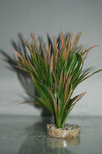 Aquarium Tropical Pink & Green Grass 6 x 6 x 20 cms Suitable For All Aquariums
