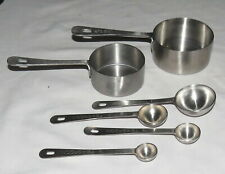 Amco Measuring Cups 2 Measuring Spoons 4