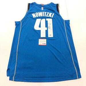 Dirk Nowitzki signed jersey PSA/DNA Dallas Mavericks Autographed