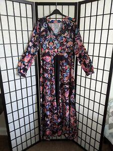 Vintage Black Floral Silky Kaftan Dress Boho 70s Vibes Long sleeve