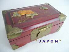 JAPON  beau  COFFRET ancien  bois rouge dessus INCRUSTATIONS 16 x9 cm