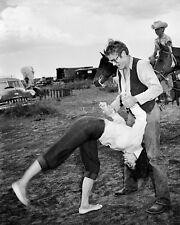 "JAMES DEAN & ELIZABETH TAYLOR ON THE SET OF ""GIANT"" - 8X10 PHOTO (OP-295)"