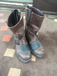 Mens Boots Size 6