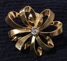 Lapel Pin Fashion Jewelry Brooch #K16 Gold Ribbon Bow Clear Rhinestone Holiday