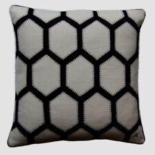 Jan Constantine Kissen 45 x 45  Hexagon Leinen bestickt