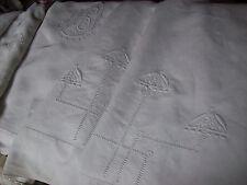 grand drap ancien  brodé et monogramme 330x235cm