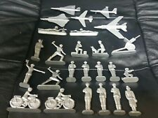 VINTAGE RUSSIAN SOLDIERS LOT SET ACTION FIGURES MILITARY EQUIPMENT II WORLD WAR