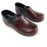 SANITA Burgundy Sz 8 (38 EU) Women Professional Nursing Clogs Shoes Leather
